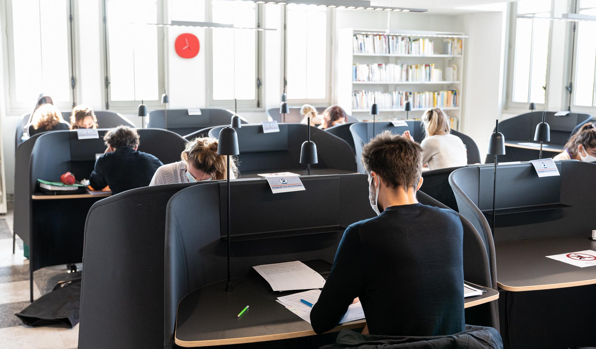 Salle concours de la bibliothèque du Palais